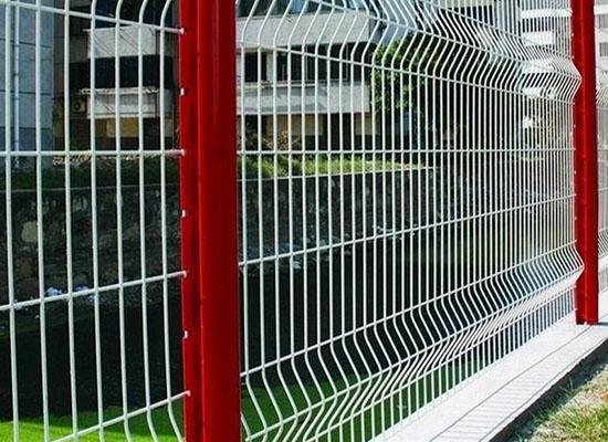 重庆三折弯护栏网